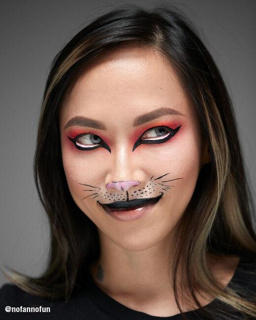 Halloween Kitty Kat Pro On The Go